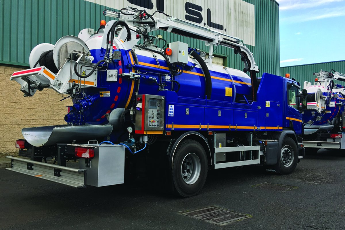 Mixed sewer cleaning trucks